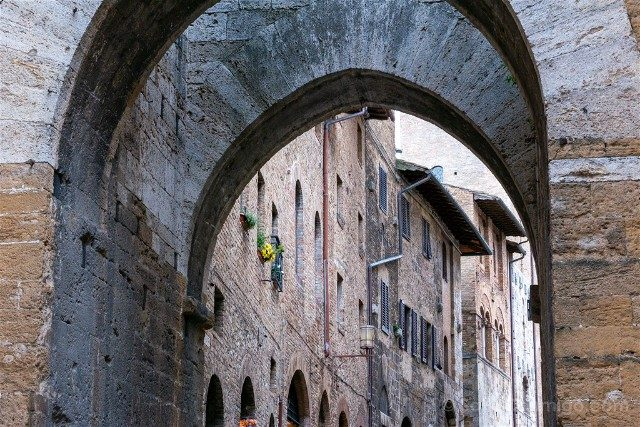 Que Ver en San Gimignano Arco