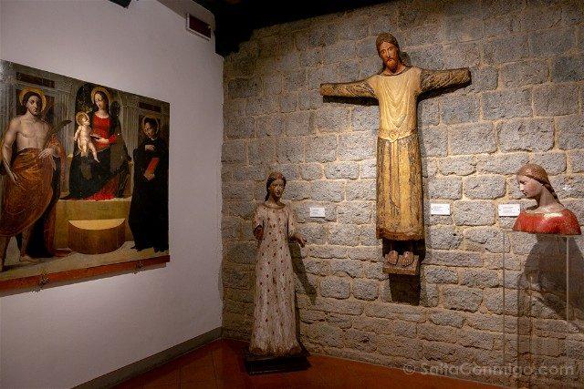 Que Ver en San Gimignano Museo Arte Sacra Anunciacion Crucifixion