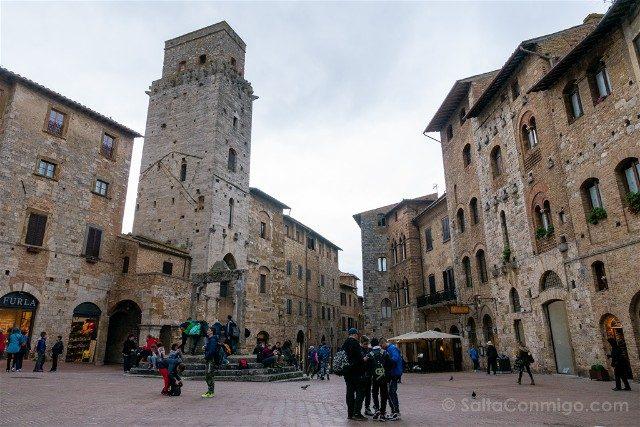 Que Ver en San Gimignano Piazza Cisterna