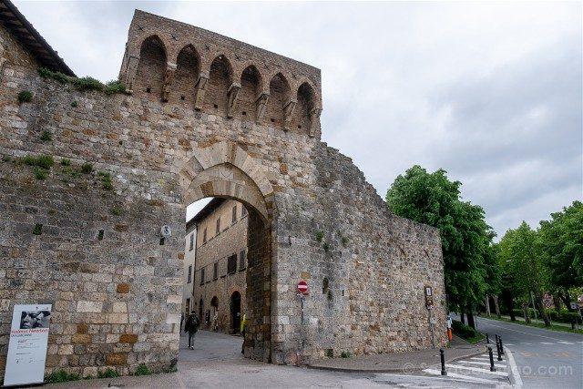 Que Ver en San Gimignano Porta San Mateo