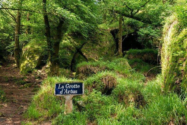 Bosque de Huelgoat Cueva Arturo