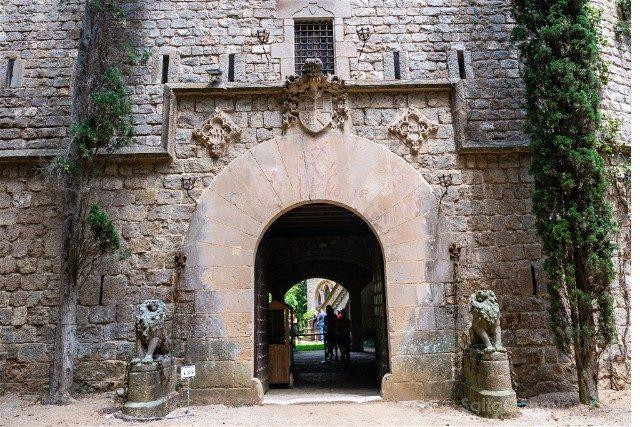 Castillo de Santa Florentina Arco Entrada
