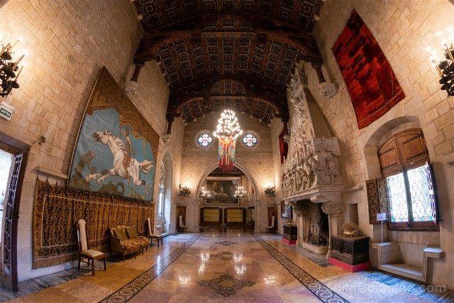 Castillo de Santa Florentina Salon Trono Ojo Pez