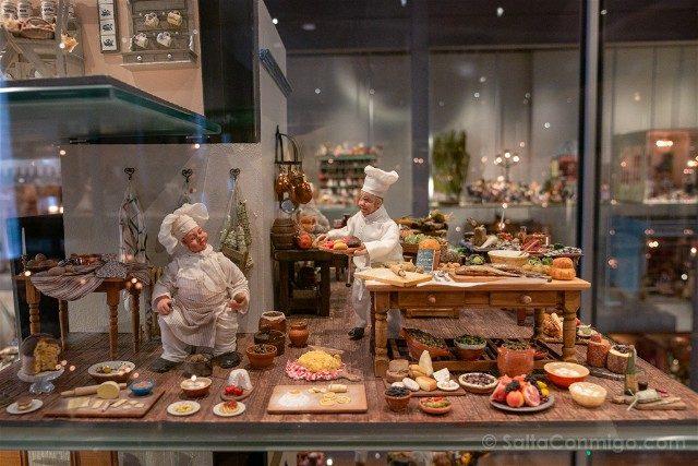 Museos de Basilea Spielzeug Welten Museum Basel Juguetes Escena Cocina