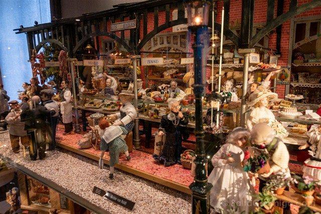 Museos de Basilea Spielzeug Welten Museum Basel Juguetes Escena Mercado