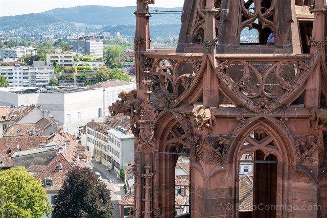 Que Ver en Basilea Catedral Torre Detalle