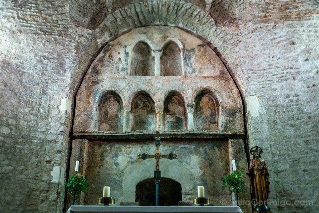 Que Ver en Terrassa Seu d'Egara Templo Parroquial Sant Pere Retablo Pared