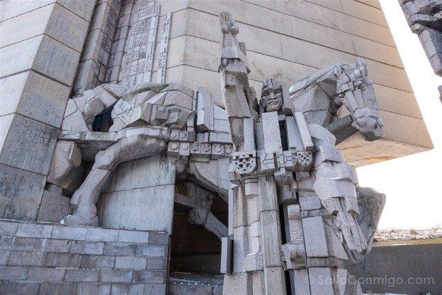 Monumento Fundadores Estado Bulgaro Shumen Kan Asparuj