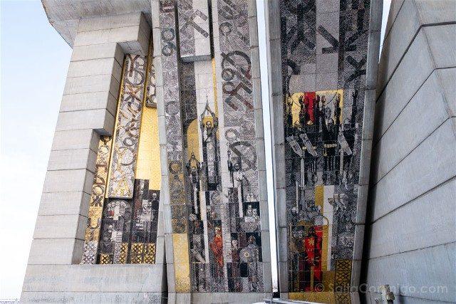 Monumento Fundadores Estado Bulgaro Shumen Mosaico