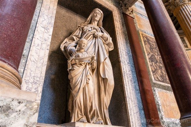 Panteon de Roma Interior Santa Ana Virgen