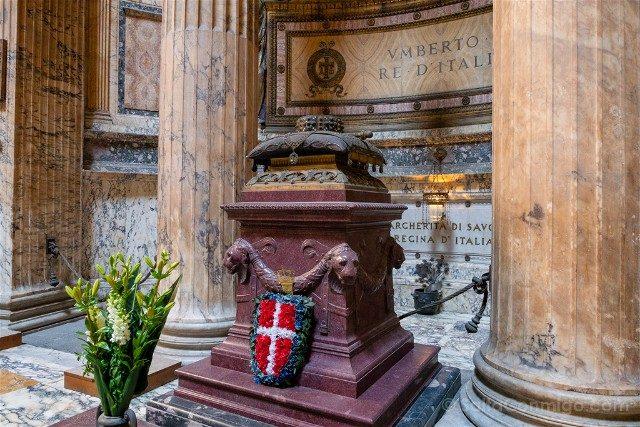Panteon de Roma Interior Tumba Umberto I