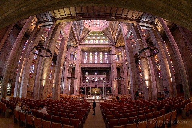 Que Ver en Le Havre Iglesia Saint-Joseph Perret Interior