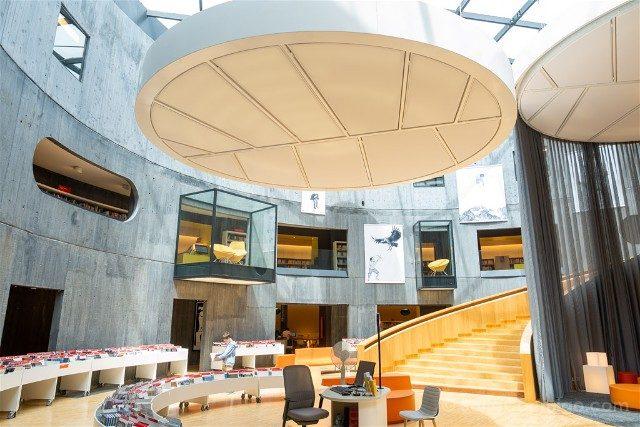 Que Ver en Le Havre Volcan Niemeyer Interior Biblioteca