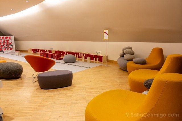 Que Ver en Le Havre Volcan Niemeyer Interior Butacas