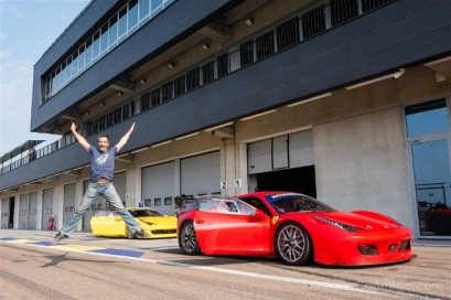 Autodromo Modena Motor Valley Ferrari Salto