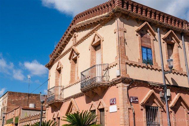 Colonia Guell Casa Modesta