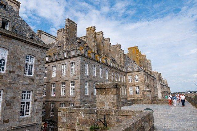 Que Ver en Saint-Malo Camino Ronda Casas Corsarias