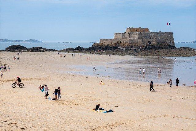 Que Ver en Saint-Malo Fort National Playa