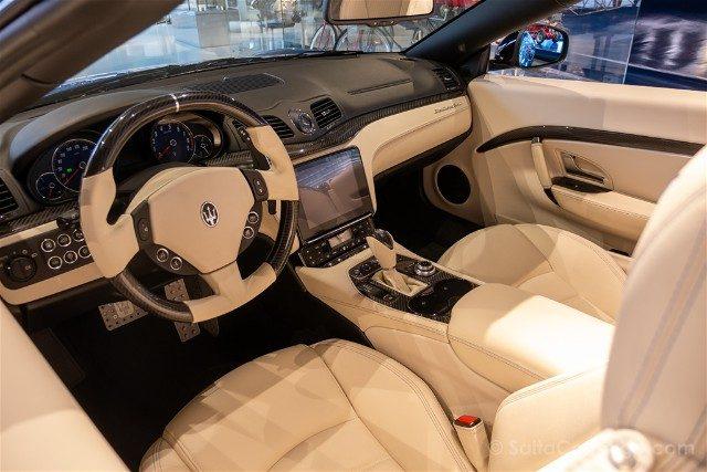 Showroom Maserati Motor Valley Interior