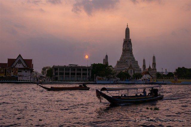 Bangkok Wat Arun Atardecer