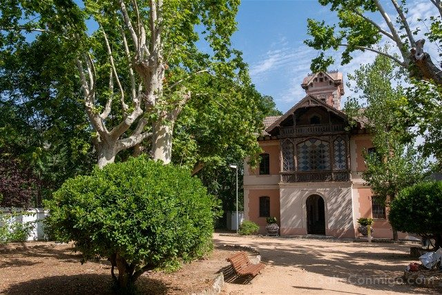 Modernismo Provincia Barcelona Montcada Reixac Casa Aigues Exterior