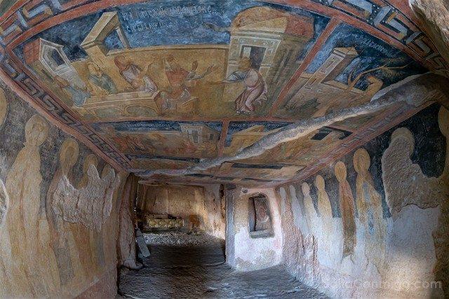 Que Ver en Bulgaria Ivanovo Iglesia Rupestre Frescos