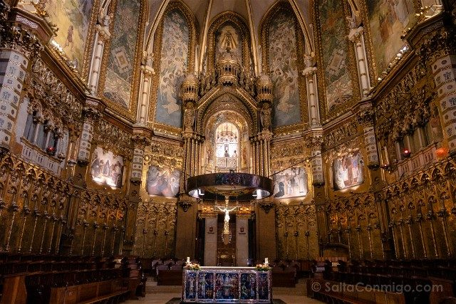 Monasterio de Montserrat Basilica Altar