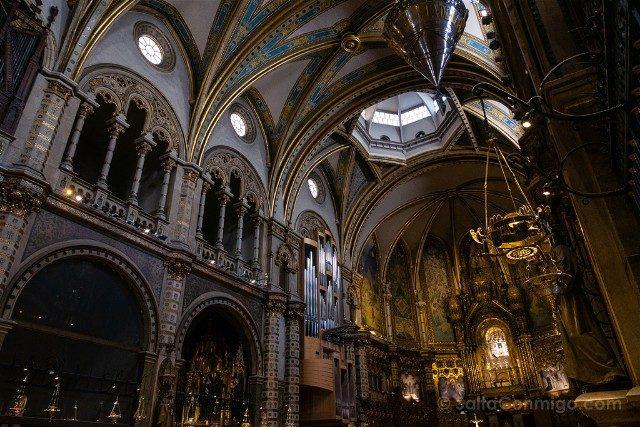 Monasterio de Montserrat Basilica Lamparas Votivas