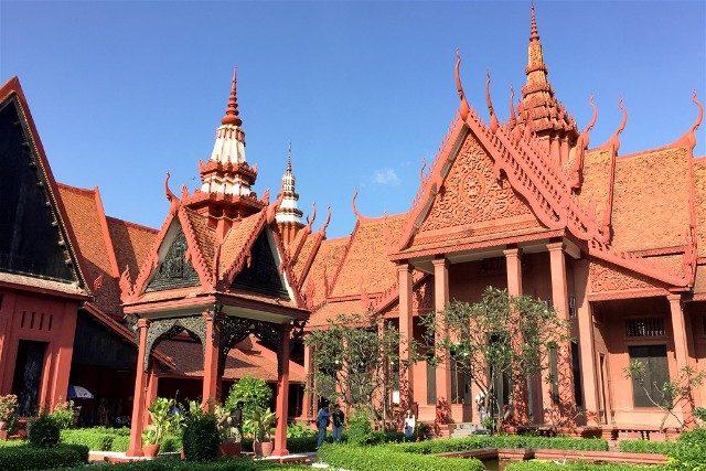 Que Ver en Nom Pen Museo Nacional Camboya Patio