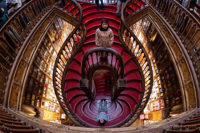 Libreria Lello Oporto Escalera Oriental Ojo Pez