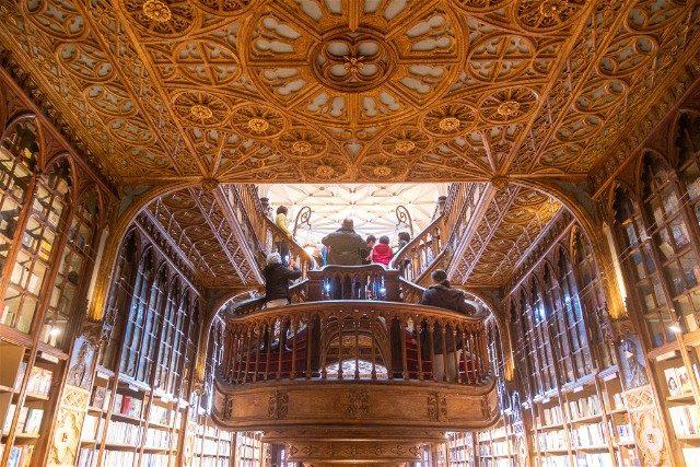 Libreria Lello Oporto Trasera