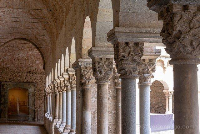 Romanico Barcelona Sant Cugat Claustro Capiteles