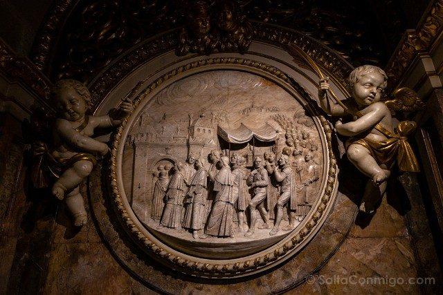 Seu de Manresa Cripta Procesion