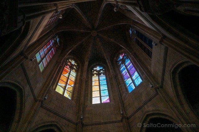 Seu de Manresa Vidrieras Baptisterio