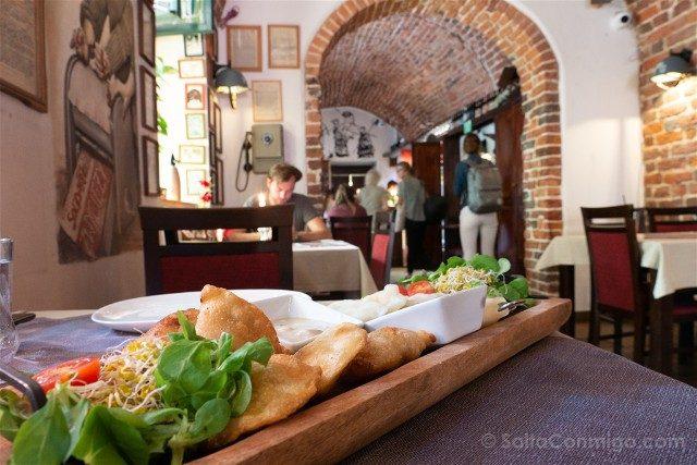 Donde Comer en Wroclaw Konspira Pierogi Local