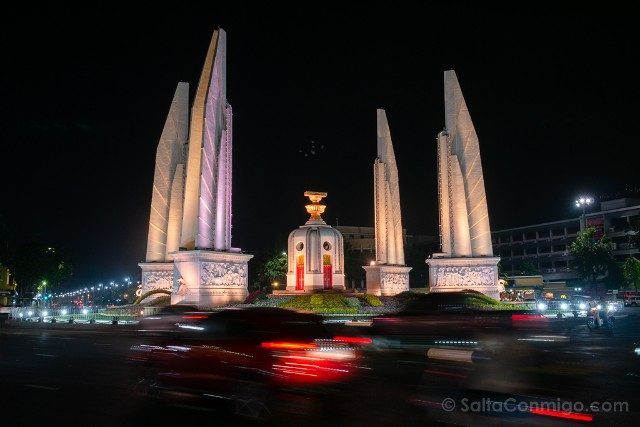 Que Ver En Bangkok Monumento Democracia