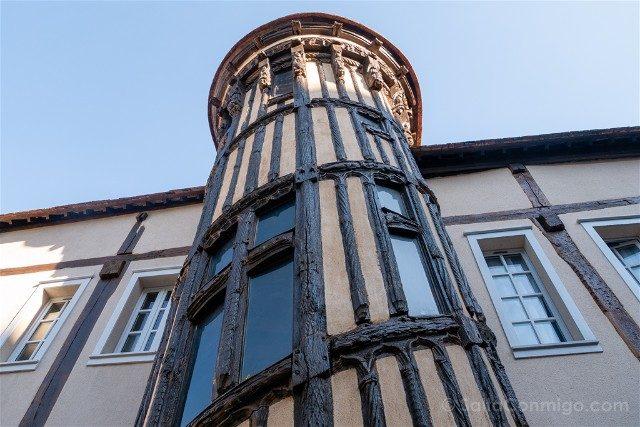 Que Ver en Chartres Escalera Reina Berta