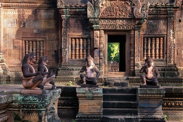 Templos de Angkor Banteay Srei Estatuas