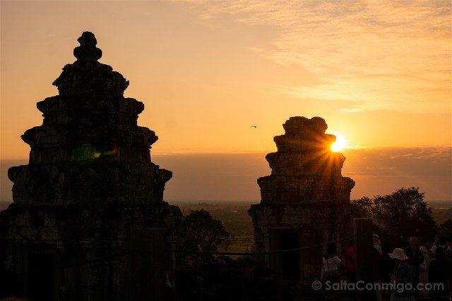 Templos de Angkor Phnom Bakheng Atardecer