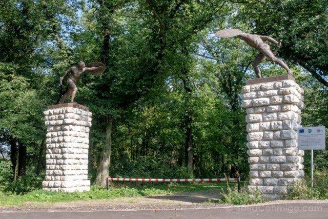 Castillo de Moszna Puerta Gladiadores