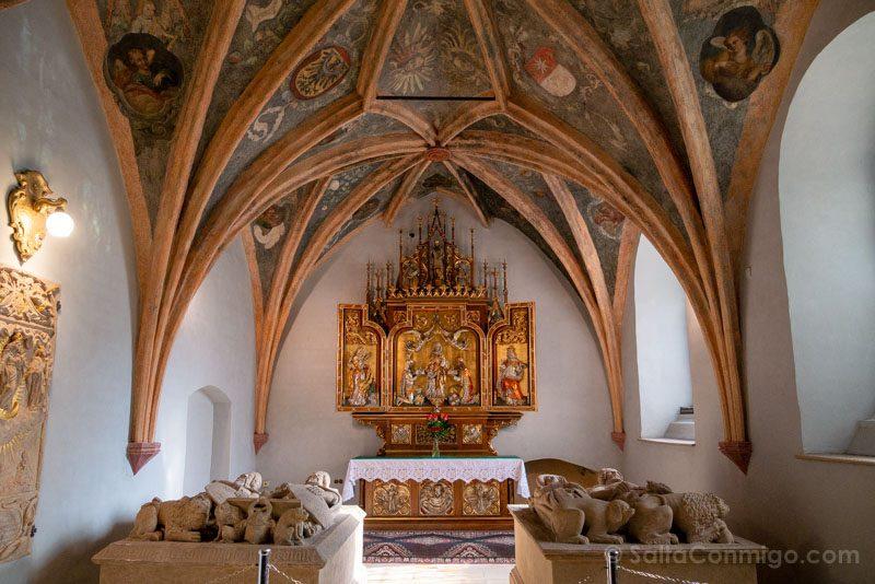 Opole Iglesia Franciscanos Tumbas Piast