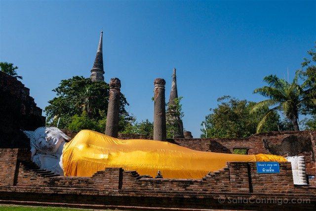 Que Ver en Ayutthaya Wat Yai Chai Mongkhol Buda Reclinado