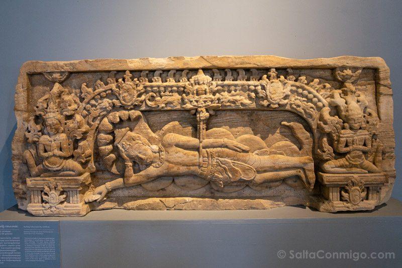 Que Ver en Battambang Museo Provincial Dintel
