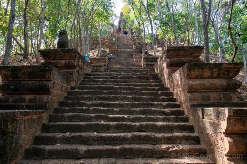 Que Ver en Battambang Phnom Banan Escaleras