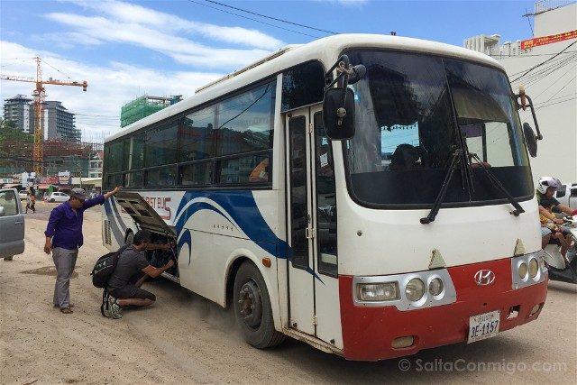 Viajar a Camboya Autobus Mochilas