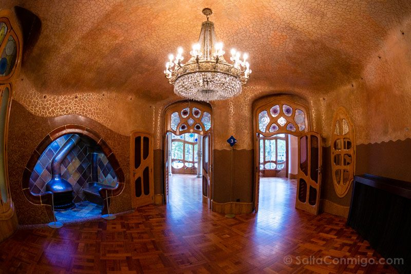 Casa Batllo Interior Sala Chimenea