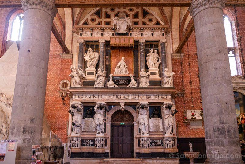 Que Ver en Venecia Basilica Santa Maria dei Frari Interior