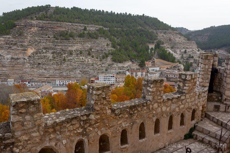 Alcala del Jucar Castillo Muralla
