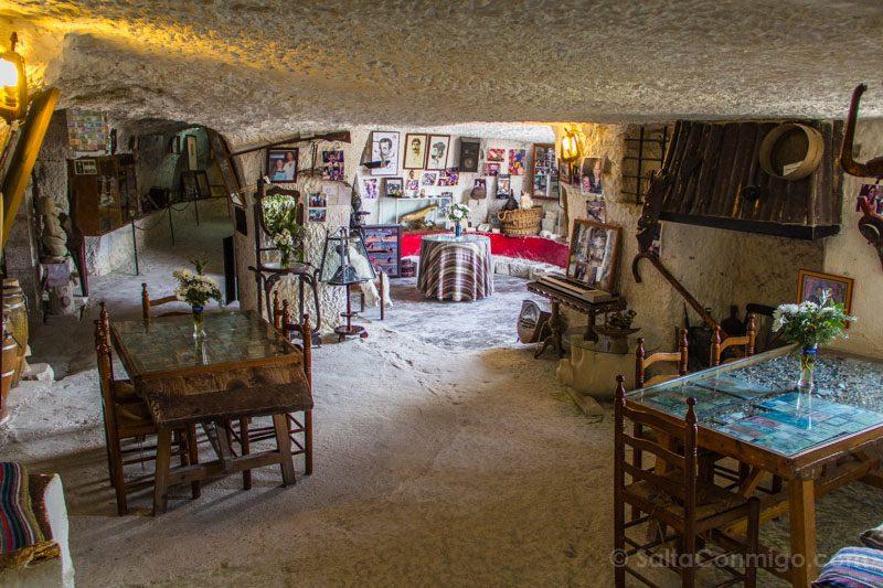 Alcala del Jucar Cueva Diablo