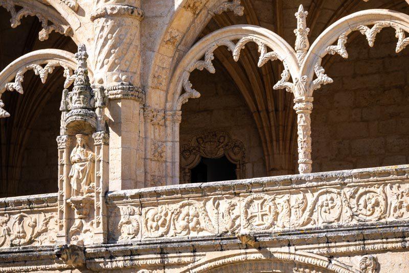Monasterio Jeronimos Lisboa Belem Claustro Estatua